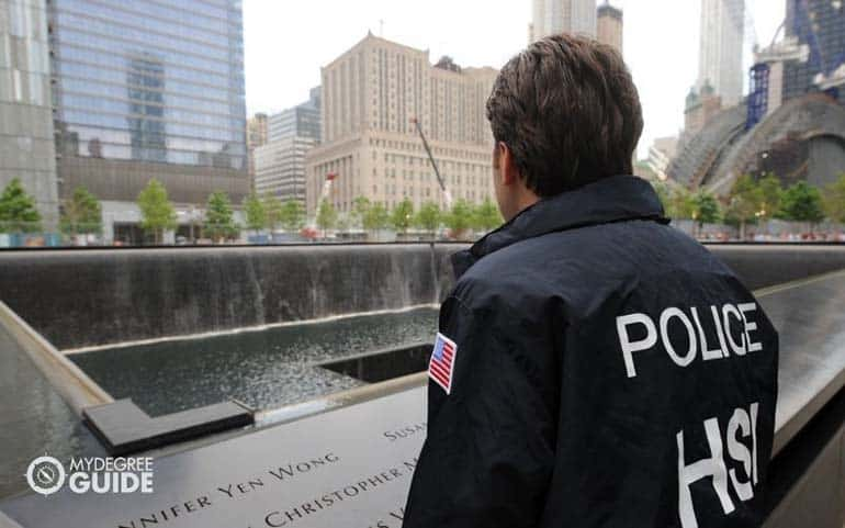 homeland security officer in ground zero