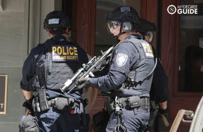 police homeland security on duty