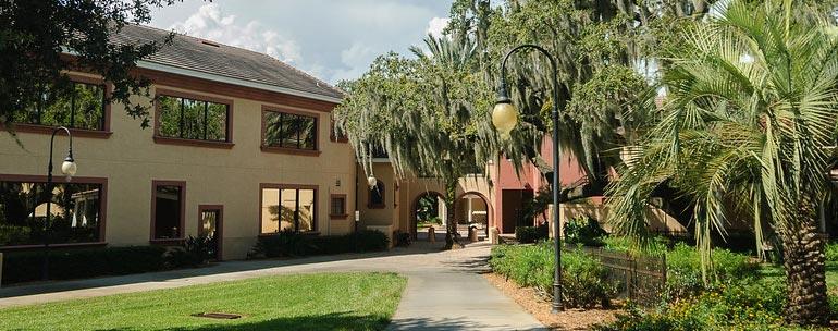 southeastern university campus