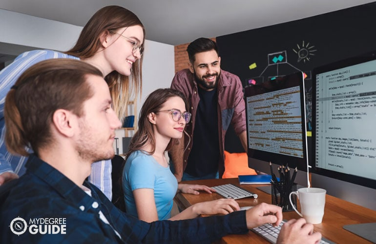 Is an Associates Degree in Computer Programming Worth It
