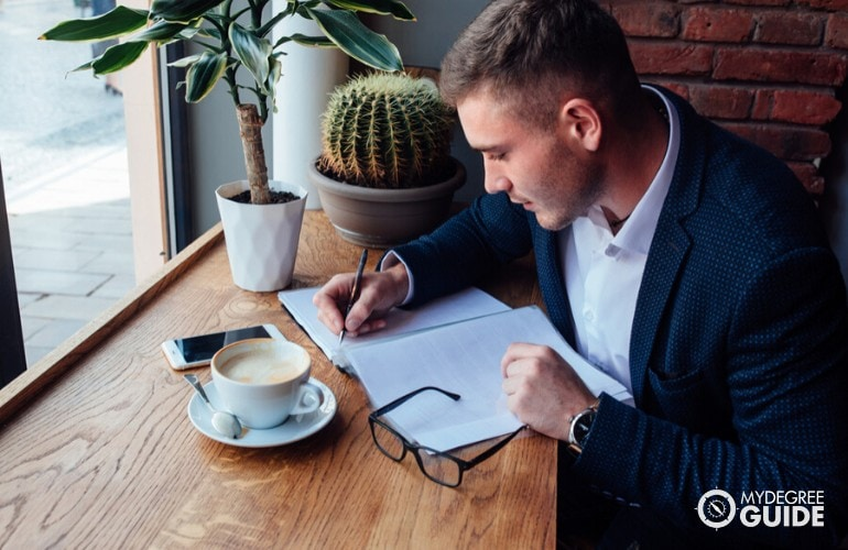 sales manager working at a cafe
