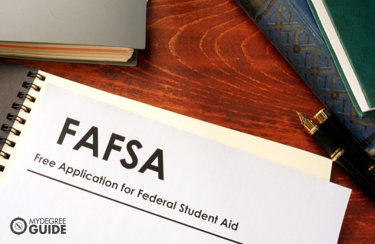 financial aid for business administration degree students