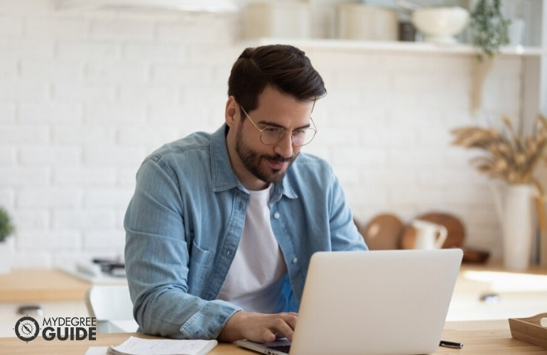 Criminal Justice degree student studying online