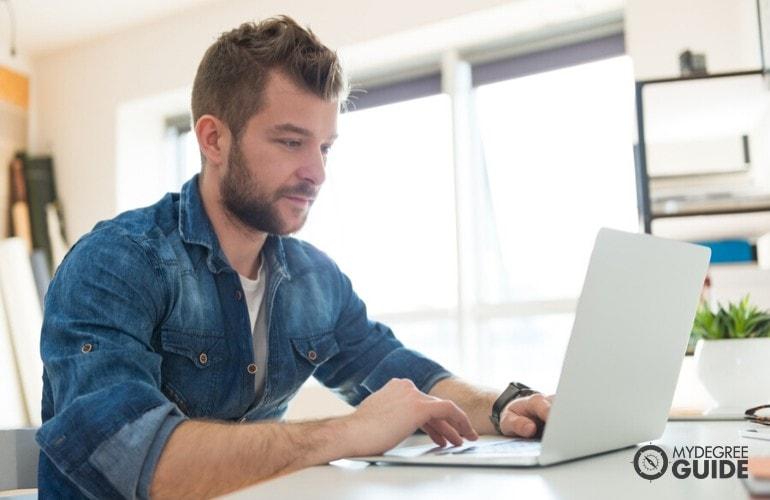 computer programmer student studying online