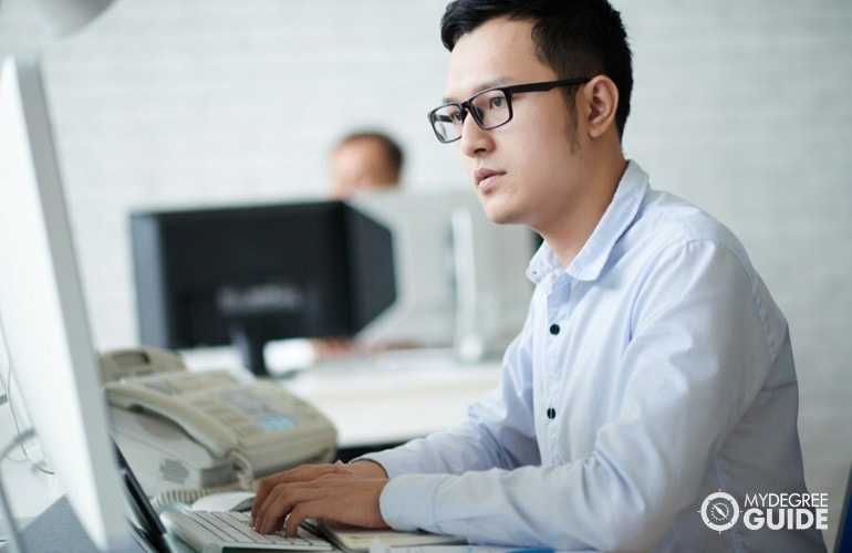 Masters of Health Informatics Degree student searching online