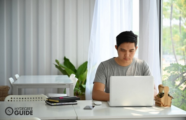 Public Administration Degree student studying online