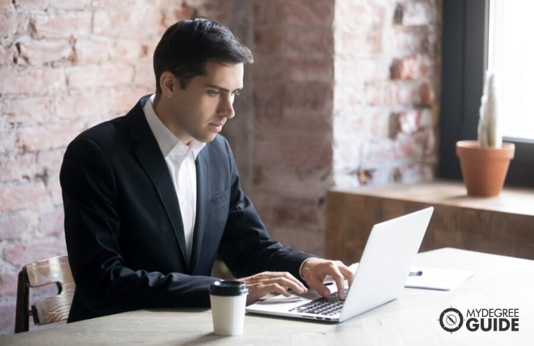 Master's in Organizational Leadership Degree studying online