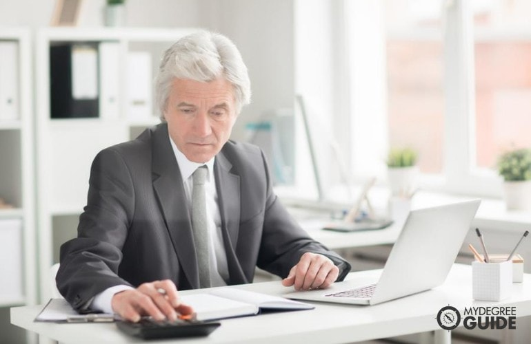 Online PhD in International Business