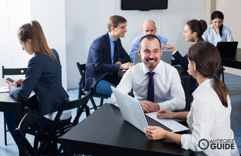 Human Resources Managers meeting at a conference