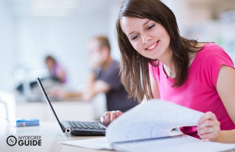 nursing student studying online