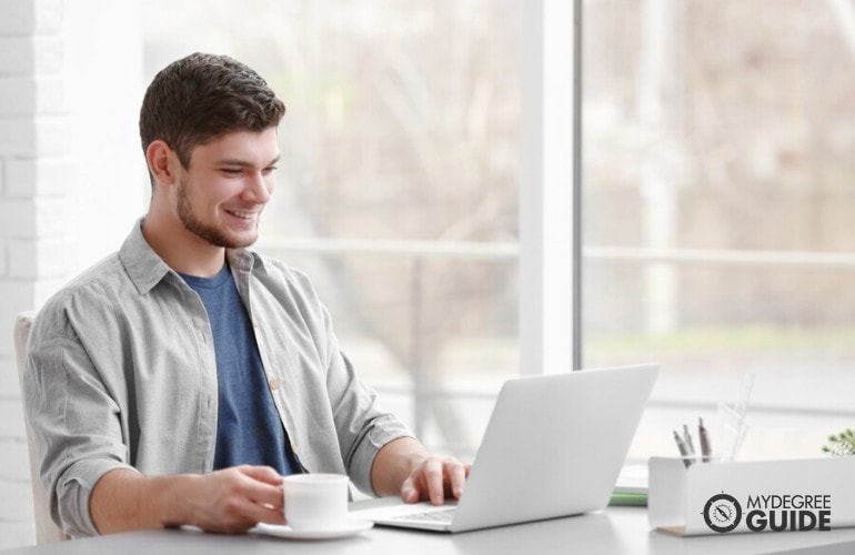 Master's in Mental Health Counseling Degree student studying online