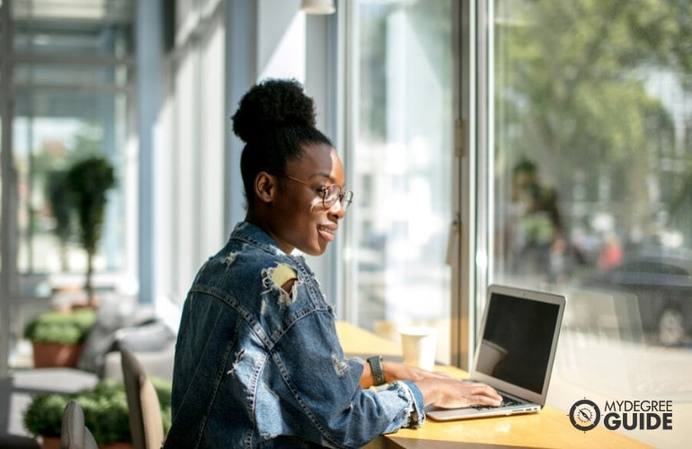 Get An Online Digital Marketing Degree
