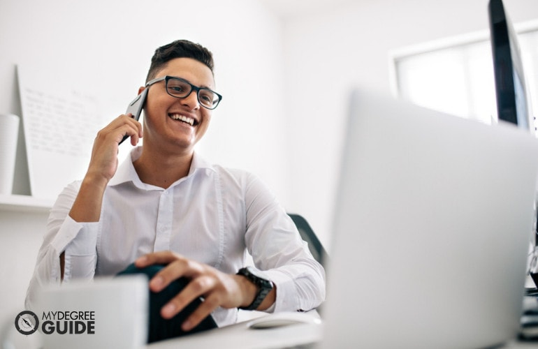 Pros and Cons of a Computer Science Degree