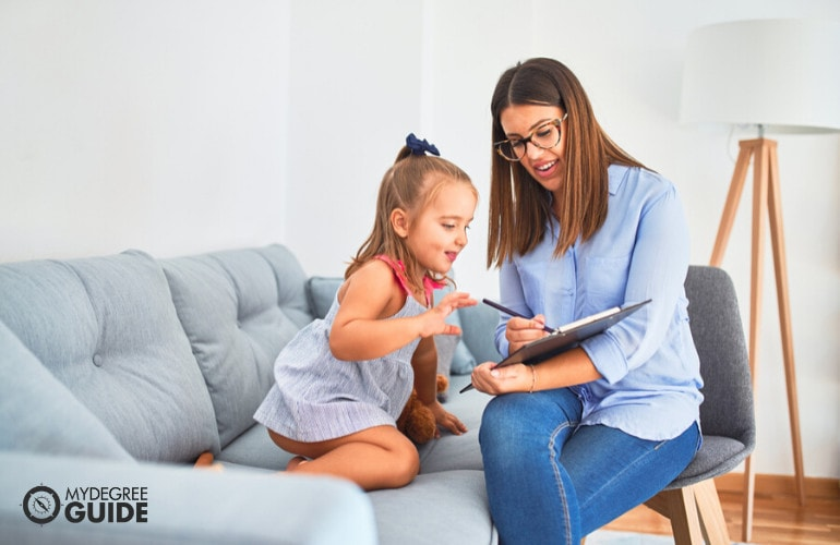 Forensic Psychologist with a child