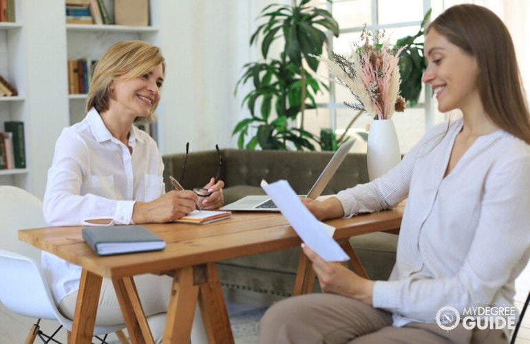 Forensic Psychologist with a patient during consultation