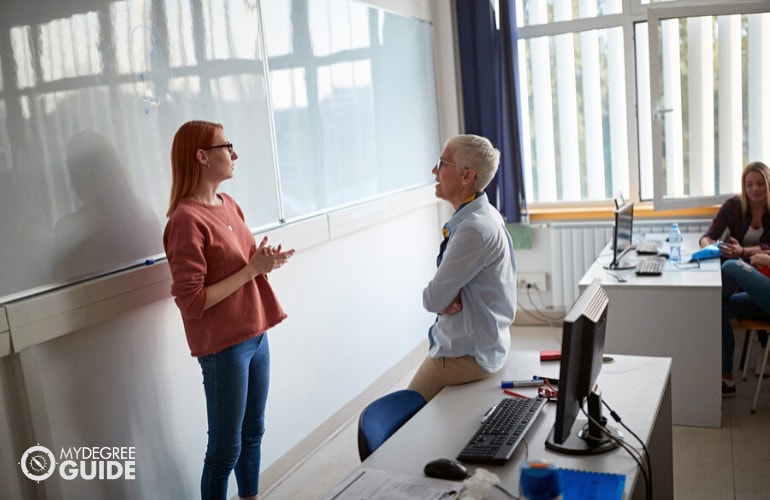 Forensic Psychologist Professor teaching in a university