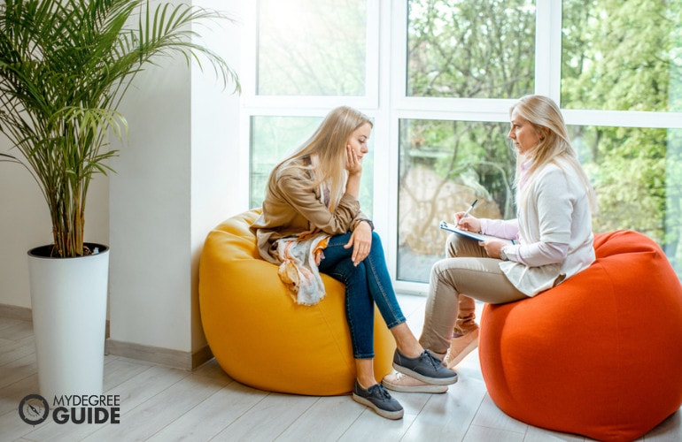 Forensic Psychologist interviewing a patient