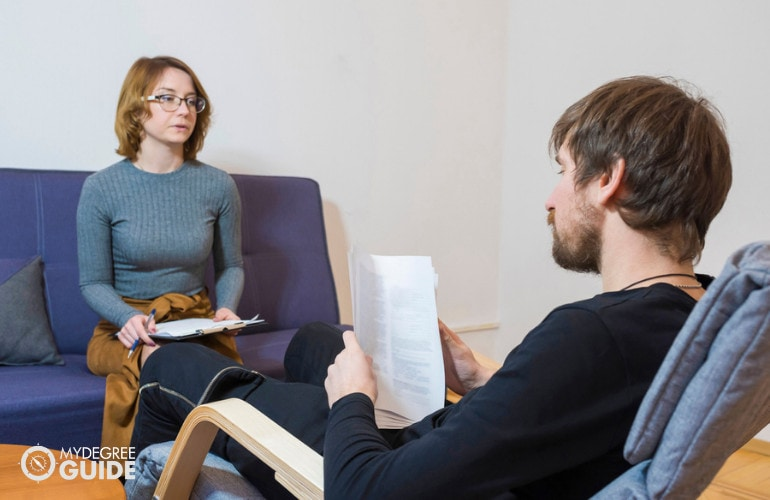Forensic Psychologist with a client