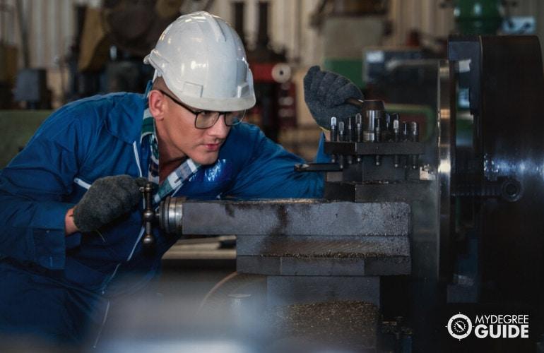 mechanical engineering technician on duty