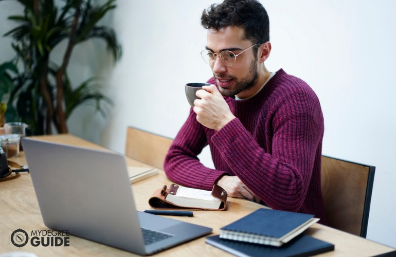 Getting Your Bachelor's Degree Online