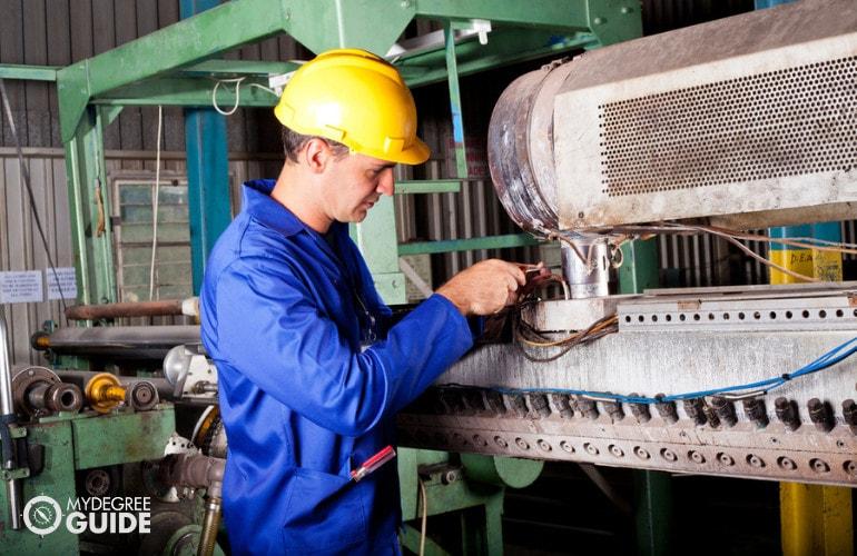 Online Masters in Mechanical Engineering Programs