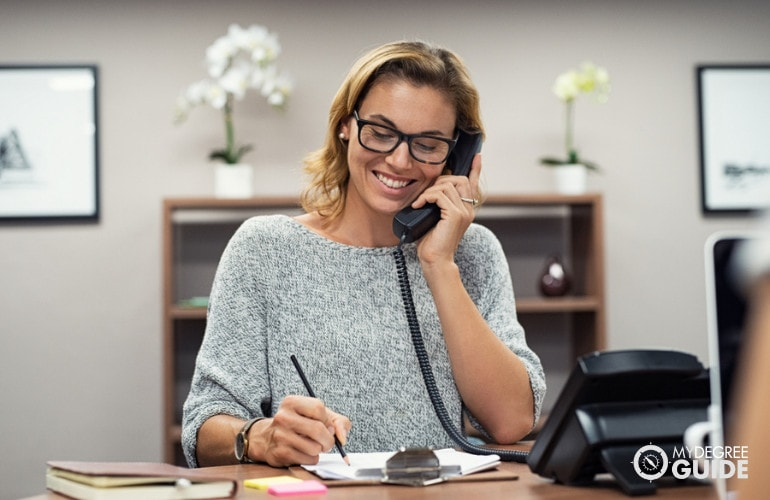 Legal Assistant vs. Legal Secretary Careers