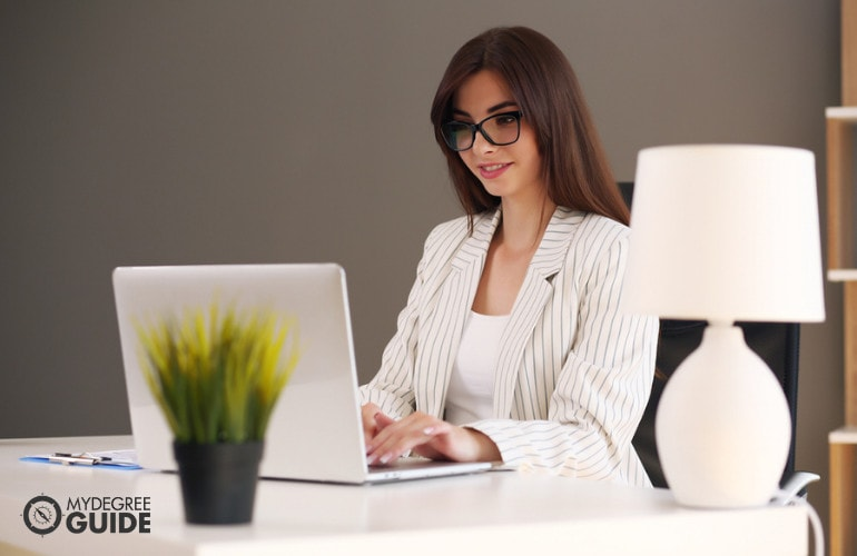 Masters / PhD Combined Degree Online