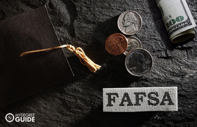 Financial aid for online learners