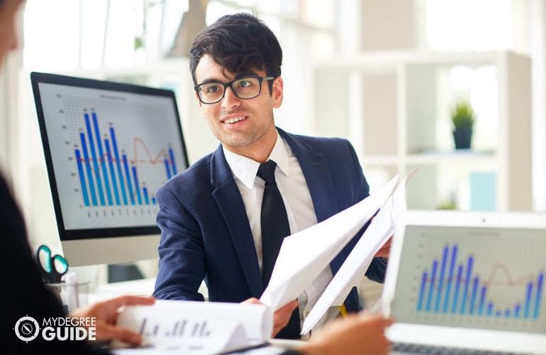Online Masters in Economics Programs