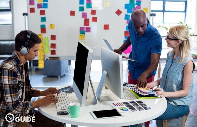 Best Online Graphic Design Associate Degrees