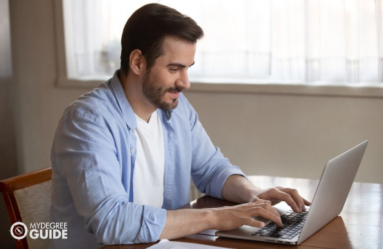 Associates in Computer Networking Degree Online
