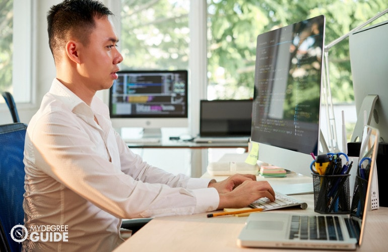 Associate Degree in Computer Networking