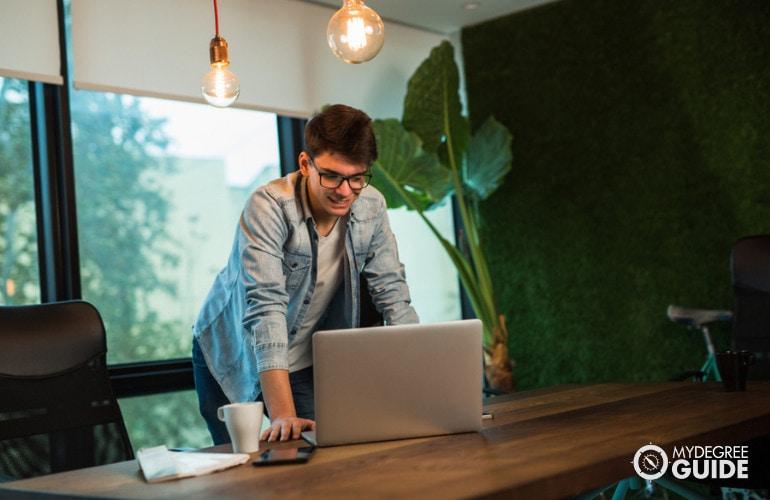 Earning Your Pilot Degree Online