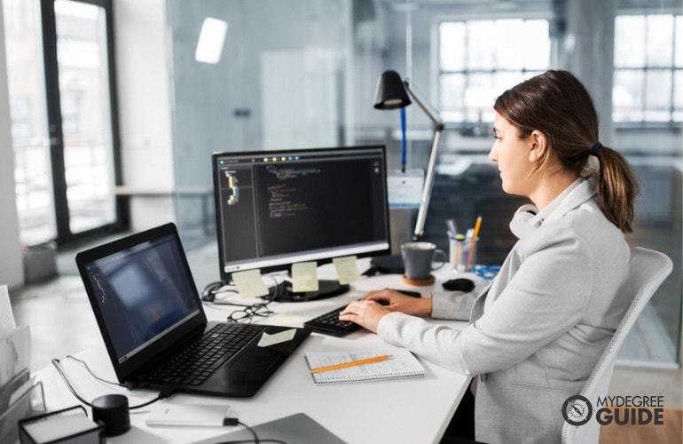 Online Cloud Computing Degrees